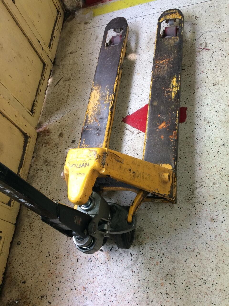 sửa chữa xe nâng tay 2500KG giá rẻ