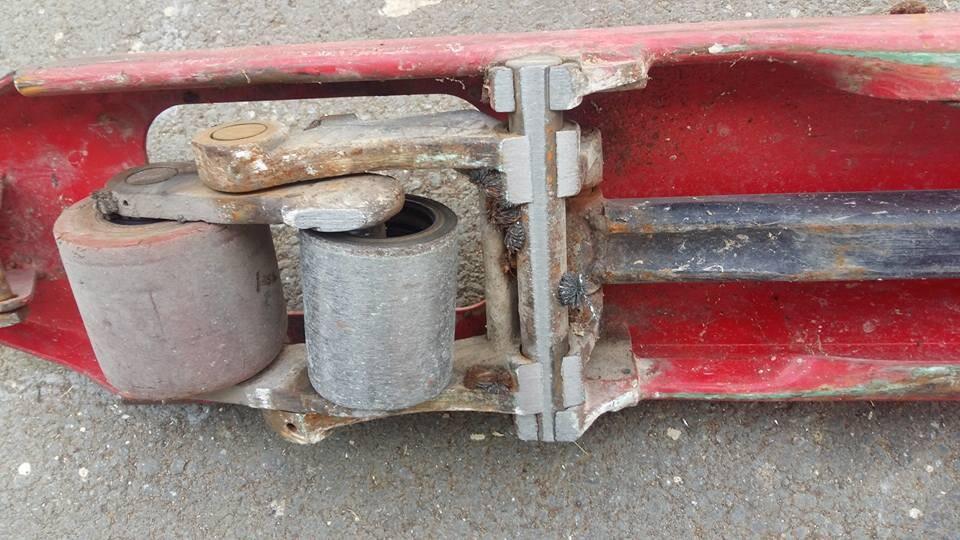 sửa xe nâng tay 2500KG