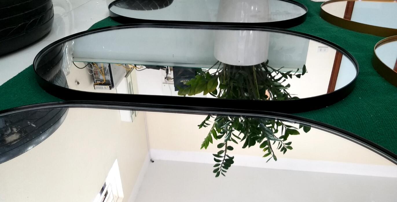 Hình ảnh thực tế gương phòng tắm Citybuilding CBJ 3470B sơm màu đen