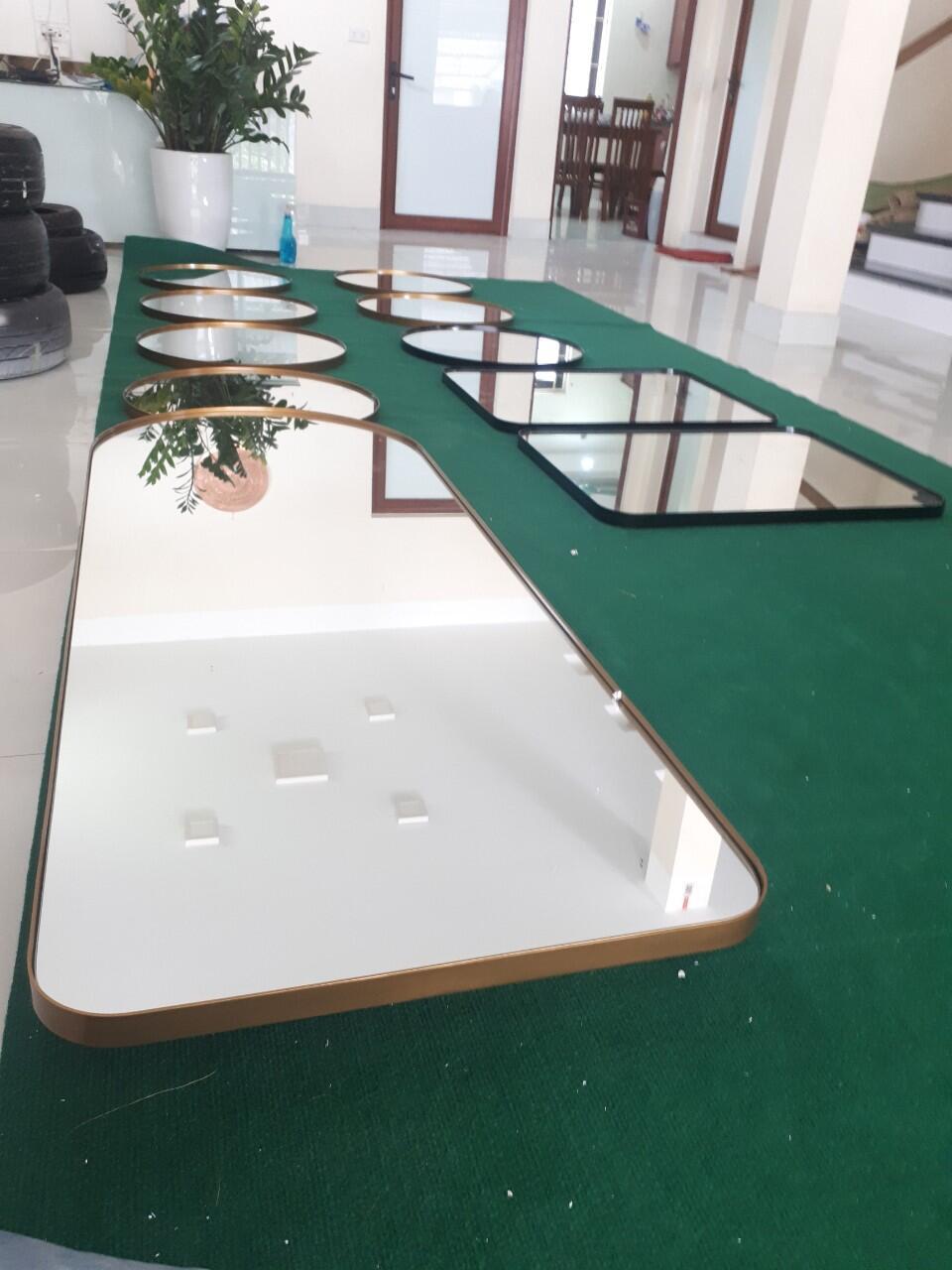 Dịch vụ sản xuất gương soi theo yêu cầu