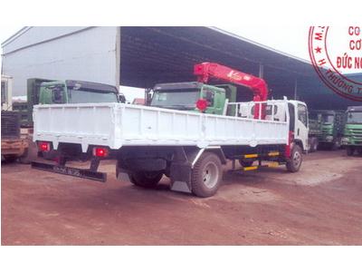 Xe tải isuzu Vĩnh Phát 8 tấn lắp cẩu unic 3 tấn, 5 đốt, giá tốt, giao xe ngay euro 4