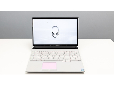 Dell Alienware Area 51M (Core i7-9700K | Ram 16GB | HDD 1TB | 17.3 inch FHD | Nvidia RTX 2060)
