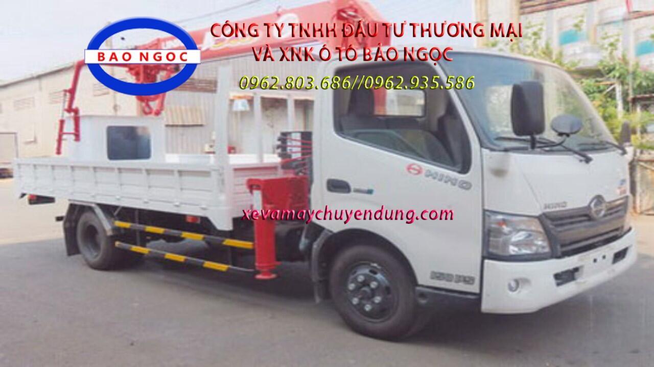 Xe tải hino xzu720 gắn cẩu unic 3 tấn 5 đốt urv345