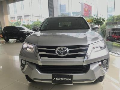 Toyota Fortuner 2.8V AT