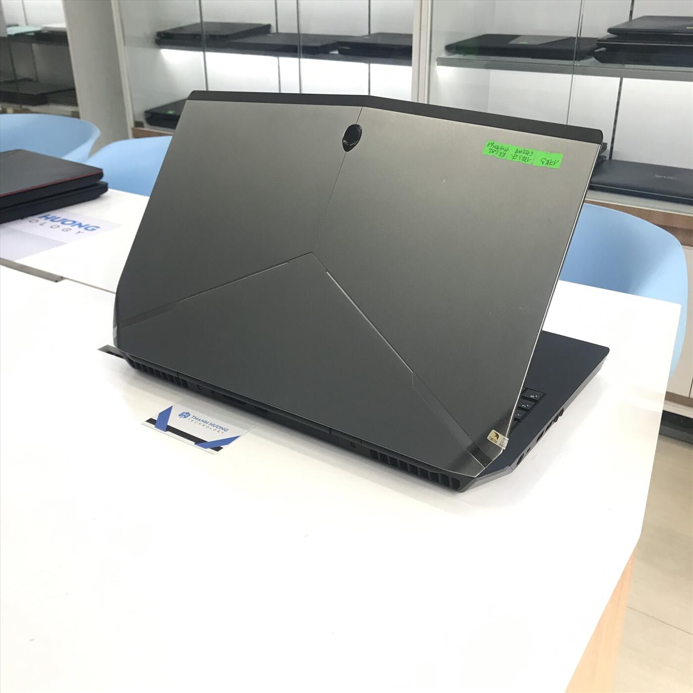Dell Alienware 17 R3 (Core i7-6700HQ   Ram 16GB   SSD 256GB + HDD 1TB   17.3 UHD   Nvidia GTX G970M