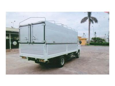 Hyundai TMT Daisaki thùng bạt, tải 2,5 tấn, thùng dài 4,2 mét Euro 4