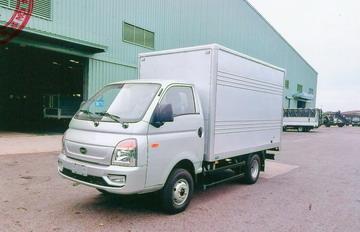 Hyundai TMT Daisaki thùng kín, tải 2,5 tấn, thùng dài 3,3 mét Euro 4