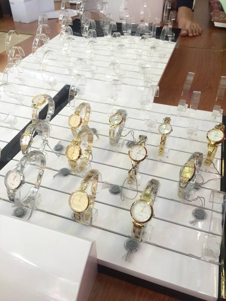 Khay gỗ trưng bày đồng hồ chính hãng 80 chiếc