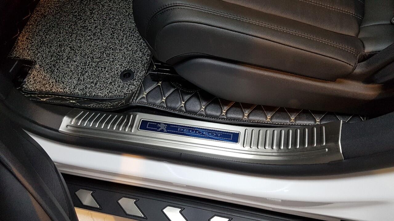 Nẹp chống trầy xước bậc cửa xe Peugeot 5008 cao cấp