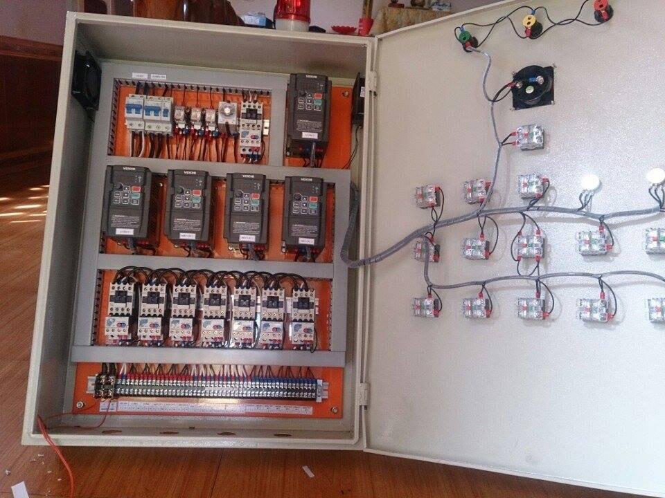 Tủ điện máy chẻ hạt điều , biến tần cho máy chẻ hạt điều