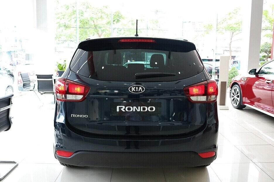 KIA Rondo Standard MT