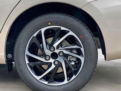 Toyota Vios 1.5E CVT (3 túi khí)