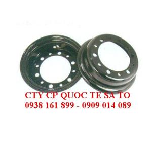 Mâm xe nâng TCM FD10-18 - Niềng bánh xe
