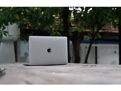MacBook Pro 2019 13 inch (MUHP2/ MUHR2) Core i5 1.4Ghz 8GB RAM 256GB SSD – Like New
