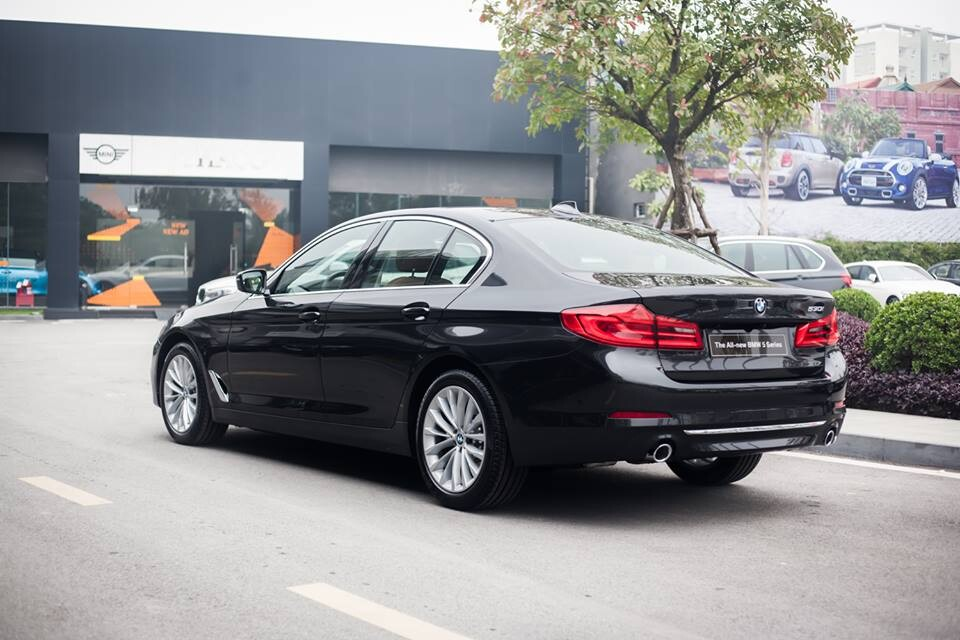 BMW 530i Luxury Line