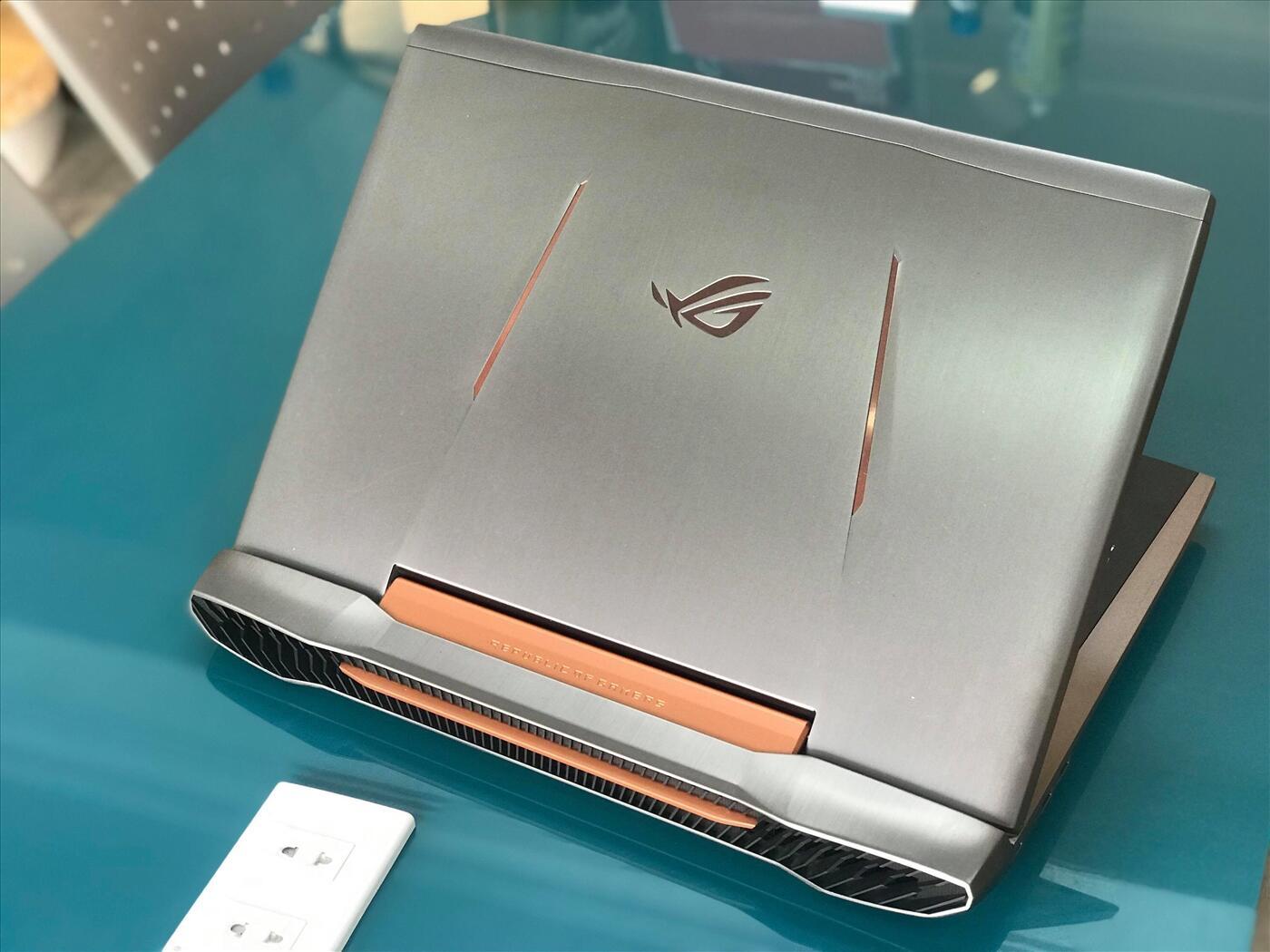 ASUS Gaming G752V Core i7 6820HQ   Ram 8GB   SSD128GB + HDD 1TB   GeForce GTX 1060