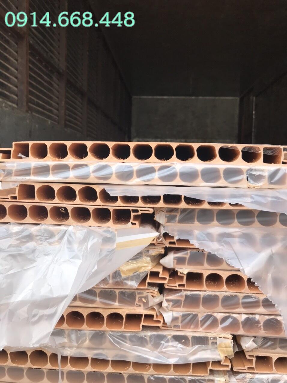 Hàng về kho ván nhựa pvc lót sàn chịu lực Danacity Đà Nẵng