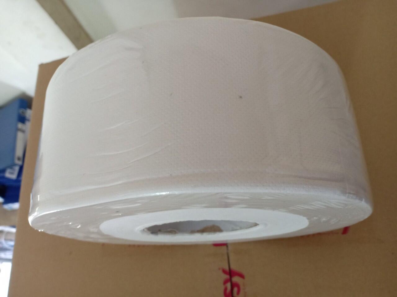 Giấy vệ sinh cuộn to 700g 3 lớp