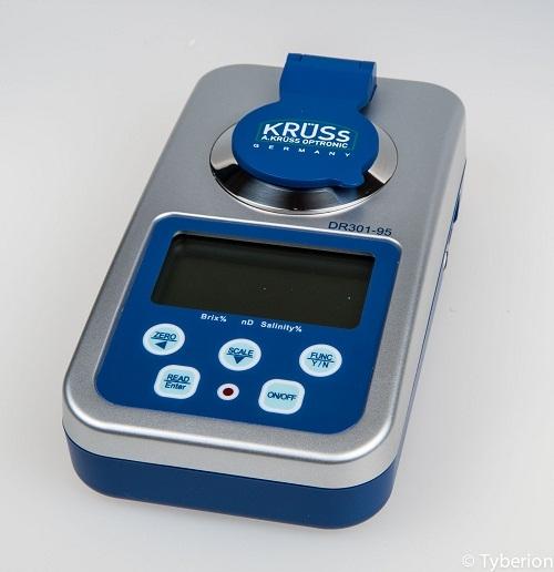 Khúc xạ kế cầm tay - Model: DR301-95