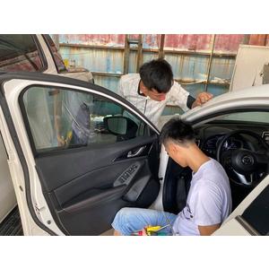 Sửa gương cho Mazda