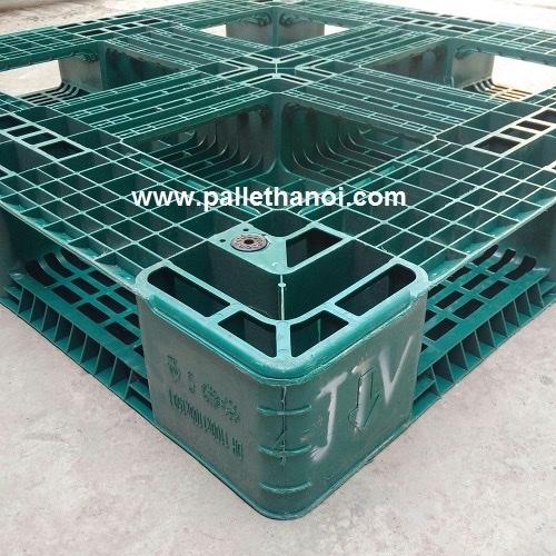pallet nhựa chunbo xanh lá