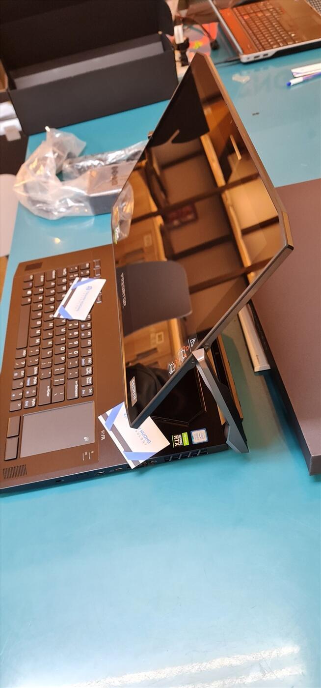 Acer Predator Triton 900 i7 9750H NVidia RTX 2080 - 8GB Ram 32GB