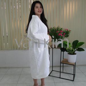 Áo Choàng Tắm Spa, Vải Tổ Ong Size L 700gram Trắng Kem