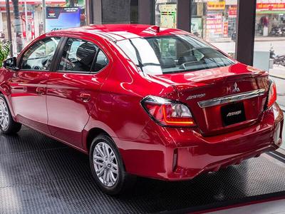 Mitsubishi Attrage CVT Premium
