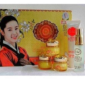 BAI FU SU ( DAE JANG GEUM ) Bộ mỹ phẩm cao cấp Hàn Quốc đặc trị nám, trắng da