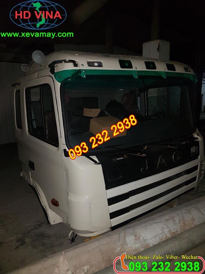 Bán cabin xe thùng JAC màu trắng và cabin xe ben, xe đầu kéo, xe trộn bê tông JAC các loại