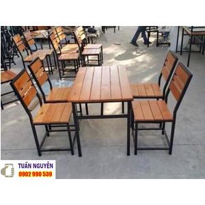 Bàn ghế khung chân sắt mặt gỗ