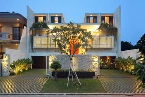 Bán khách sạn Đủ tiện nghi B180/3A1 Kp3, Đông Hưng Thuận, Q. 12