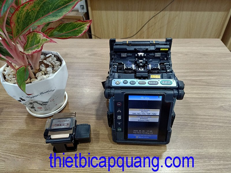 Bán máy hàn cáp quang Fujikura 70S cũ tại Việt Nam