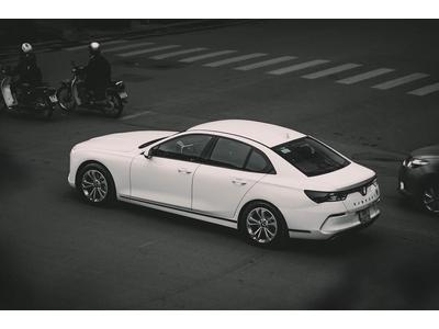 Bảng giá full option xe VinFast Lux A2.0 mới nhất kèm review chi tiết