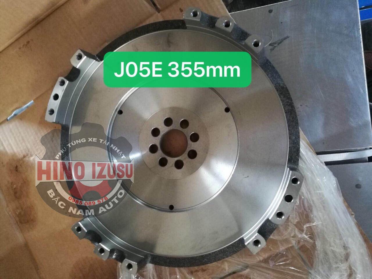 BÁNH ĐÀ XE TẢI HINO 500 FC J05E
