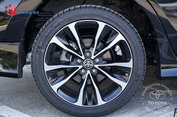 Bánh xe và vành xe của Altis 1.8g 2021