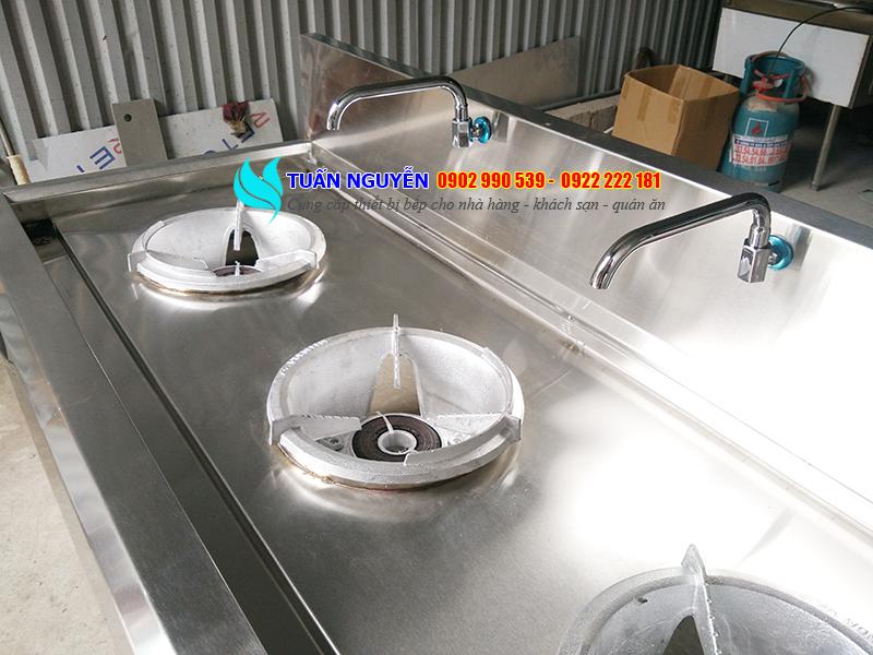 Bếp á công nghiệp 3 họng 2 vòi nước giá rẻ