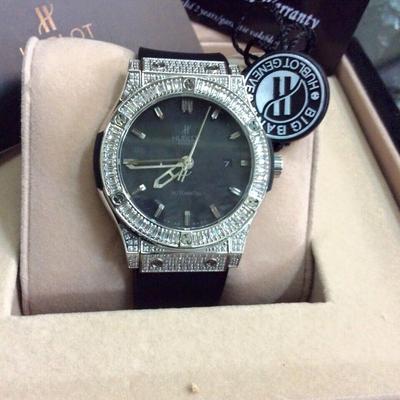 Đồng hồ nam Hublot diamond classic automatic HBL031