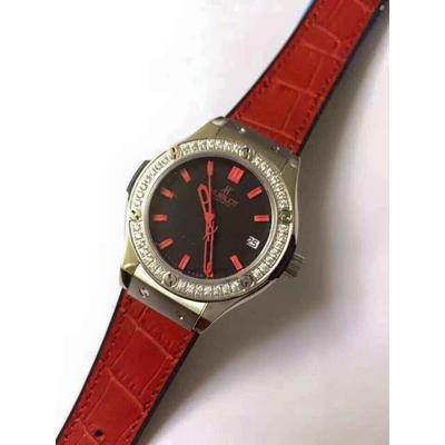 Đồng hồ nữ Hublot classic bazel diamond dial red HBL051