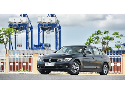 """BMW 320I: SỨC HÚT ĐẾN TỪ """"CHẤT ĐỨC"""""""
