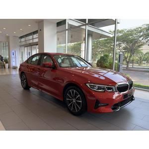BMW 330i Sport Line