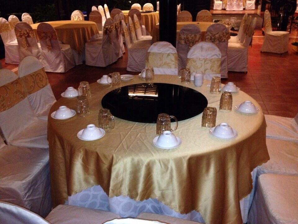 mâm xoay bàn ăn nhà hàng