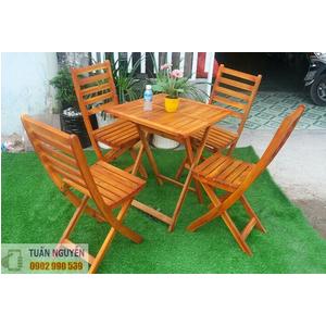 Bộ bàn ghế cafe gỗ vuông