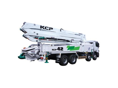 Bơm bê tông KCP 42 mét, xe cơ sở Hyundai 8x4