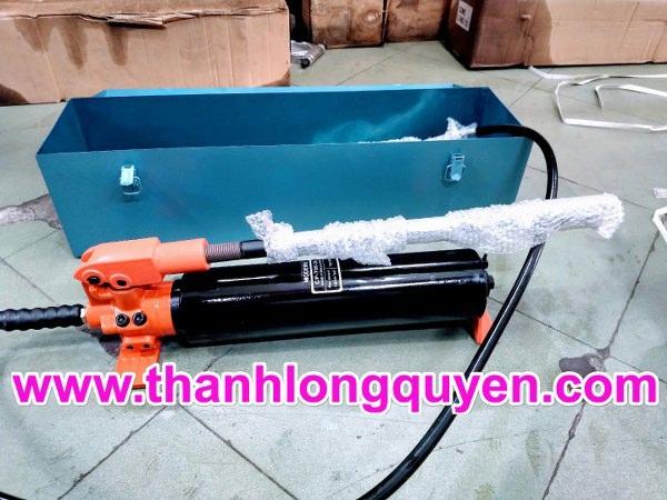 Bơm tay thủy lực baishite hiệu modern cp-700-2a chất lượng