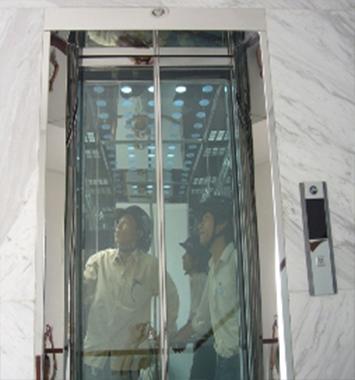 Cabin cửa kính cường lực dầy 12ly