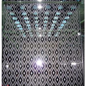 Cabin : Tấm lớn ở giữa Inox Hoa Văn ( TT-CW012 ), xen Inox Gương hai bên