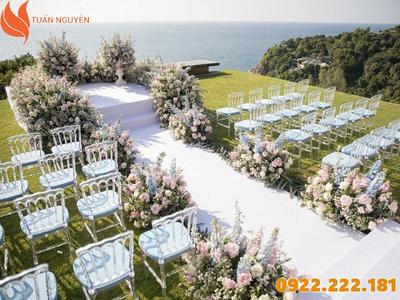 Cách chọn bàn ghế đám cưới phù hợp cho người Mệnh Kim