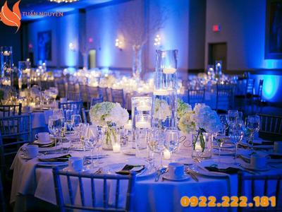 Cách chọn bàn ghế đám cưới phù hợp cho người Mệnh Mộc