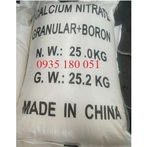 Calcium nitrate Ca(NO3)2